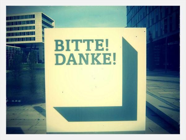 bitte/danke - please/thank you Vienna Viertel Zwei Courtesy