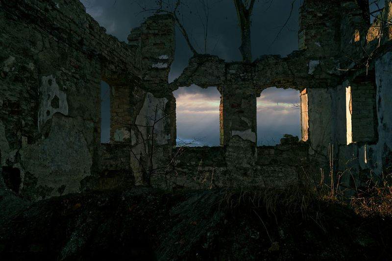 Abandoned built structure against sky