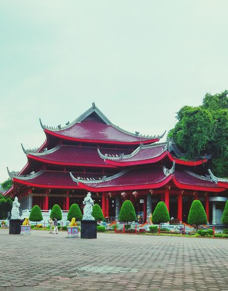 Religion History Architecture Pagoda Tourism Palace Ancient Travel Travel Destinations Red No People Beauty Cultures Outdoors Sky Day Gold Colored Place Of Worship Tree temple Sam Poo Kong