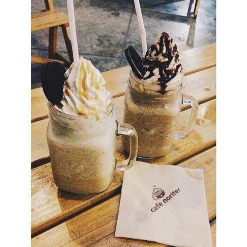Coffee, Tea or Me? Char lang. Hahaha Landeeh ValentinesDatedaw