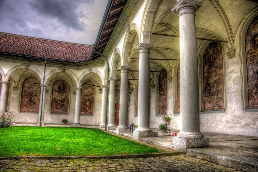 DDESIGN HDR PICTURE EyeEm Best Shots HDR First Eyeem Photo Architectural Column Architecture Built Structure The Past History No People Building Plant Art And Craft Day Old Spirituality Ornate Nature Water Belief Outdoors Arch Building Exterior Religion EyeEmNewHere The Architect - 2018 EyeEm Awards