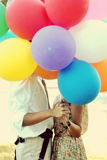 Balloons + love 🎈💕 Balloon Blue Rear View Casual Clothing Multi Colored Helium Balloon Large Group Of Objects Outdoors Abundance Colorful Vibrant Color Prenuptial Prenupshoot PreNuptialShoot Vintage Vintage Photo Faceless Couple Couplephotography Wedding Young Adult Young Love Fun Weekend Activities Adventure