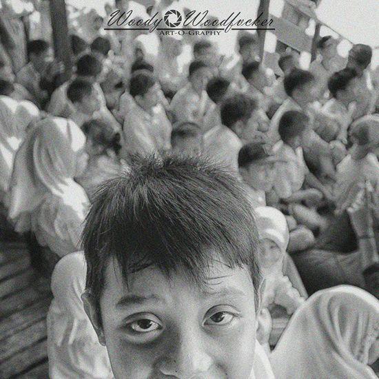 Satu dari sekian banyak anak yang sembuhkan lelah tim SouthBorneoTravellers dengan senyuman. 😊 Visitkalsel SouthBorneoTravellers Iamacreativ Thecreativmovement Travel Adventure Blackandwhite Bw Grain Portrait Kids