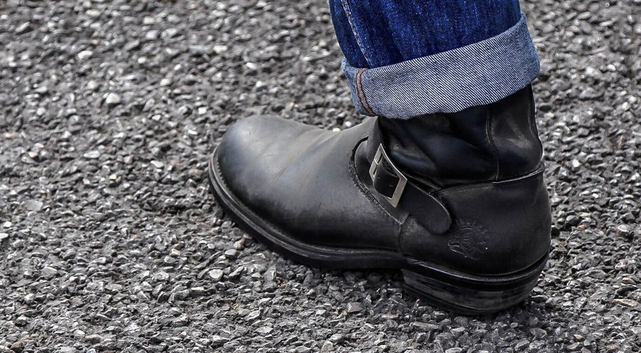 Adult Adults Only Close-up Day Human Body Part Human Leg Low Section Men One Man Only One Person Outdoors People Shoe Standing