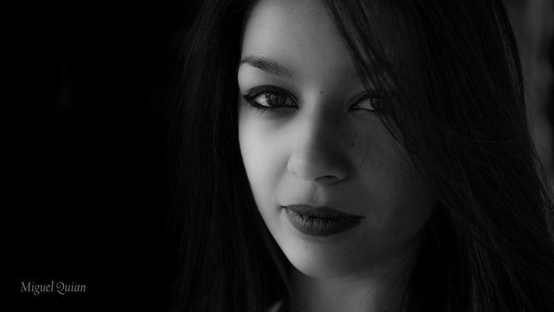 Mayita en El Bosque. Black & White Monochrome Blanco Y Negro Blackandwhite Model Photoshoot Portrait BW Portrait B&W Portrait
