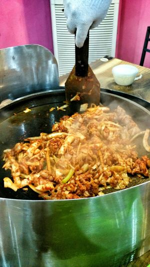 Frying Dak galbi and ramen with cheese!! Korean Food Koreanfood Korean Style Koreanculture Food Food Photography Foodphotography Korean Pan Fried Dak Galbi Food Porn Yum Yummy Yummy Food Ramen Ramen Noodle Ramen! Fried Ramen Noodles