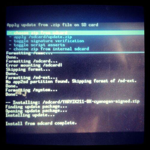 my old sweetie got cyanogen :)) // mé staré zlatíčko dostalo cyanogen :)) Android Gingerbread Cyanogenmod Cyanogen CM7 tablet yarvik211 tab211