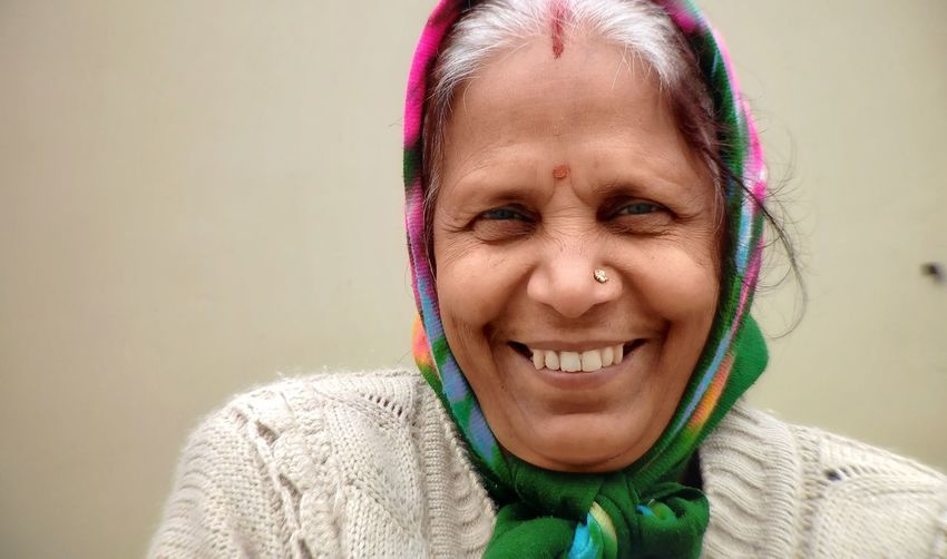 my mom's portrait...😘😍 Smiling Smling Face Headshot Portrait Human Body Part Human Face Happiness Cheerful