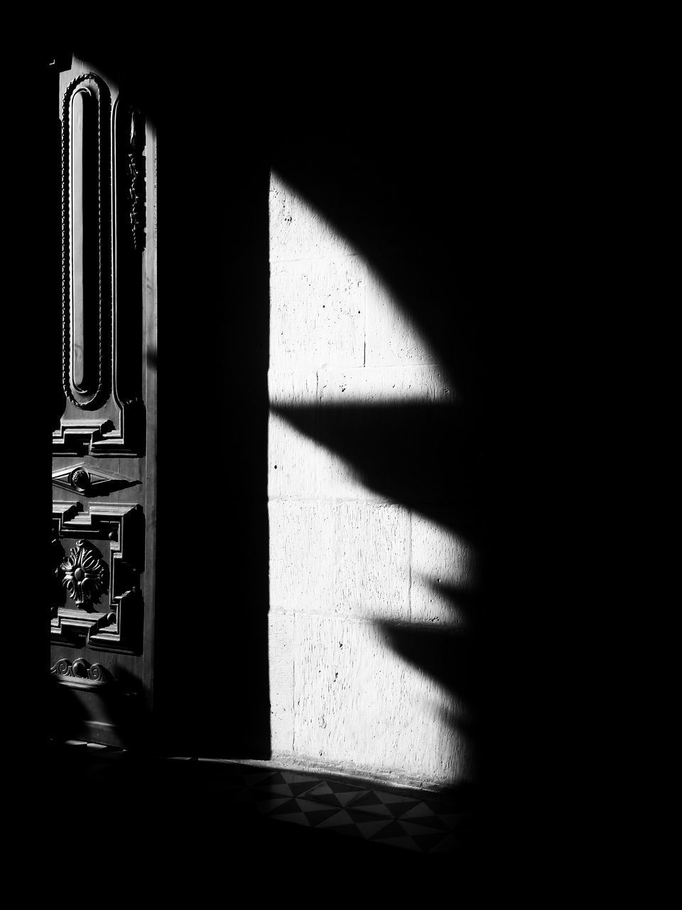 shadow, sunlight, nature, no people, indoors, built structure, day, architecture, wall - building feature, falling, dark, window, focus on shadow, building, metal, light - natural phenomenon, close-up, copy space