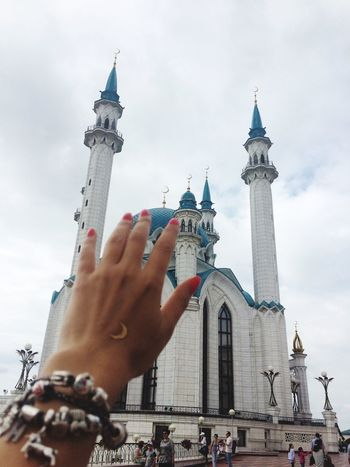 Russia Moon Mosque Kazan Pandora Hand Belong Anywhere Казанский Кремль Seeing The Sights The Architect - 2016 EyeEm Awards In My Hand Architecture Crescent Moon Gold Tattoos Say Hello Hi! ☺