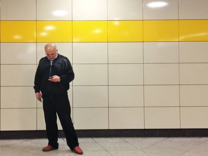 Another attempt of mine on so called street photography. In this case, I'd call it 'Tube Photography', because I find it easier to photograph people on underground stations. The idea to mix people with #LogopaedenLinien , a hashtag I love, could be my app Streetphotography LogopaedenLinien Tube Photography
