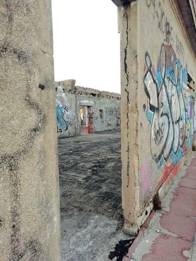 Graffiti Valongo Sanatório Valongo Porto Portugal 🇵🇹 Street Art Graffiti Spray Paint Art And Craft Architecture Building Exterior Close-up Built Structure Ghetto Vandalism Paint Painted Image Fine Art Painting Painted Modern Art Painter - Artist EyeEmNewHere