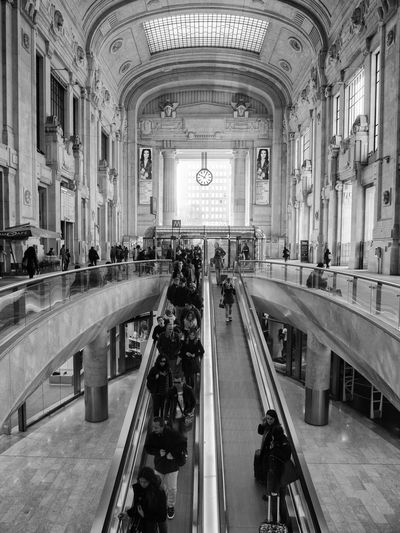 Milan Milano Old And New Perspective Architecture Ceiling Clock Crowd Escalator Large Group Of People Main Station  Real People Time Travel Travel Destinations