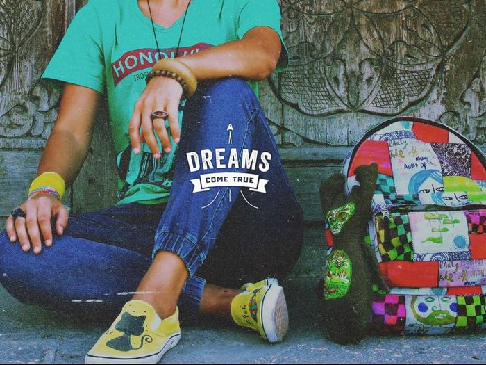 Dreamscometrue Look Bag Yellow Style Streetphotography Streetstyle Relax Human Hand Staff Quicksilver Honolulu, Hawaii Forest Spirit Friend