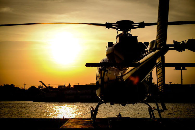 Black beauty Black Helicopter Flight Round Manhattan Helicopter Sunset Flight New York Helicopter Sunset Trip Round Manhattan Manhattan Helicopter Tri