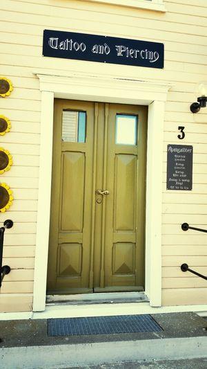 Door in Mosjøen Doorporn Door Eye4photography  Tatoo Studio