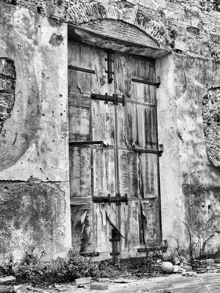 Black And White Blanco Y Negro Noir Et Blanc Old Door Abandoned Places Rurex Bw_collection Eye4black&white