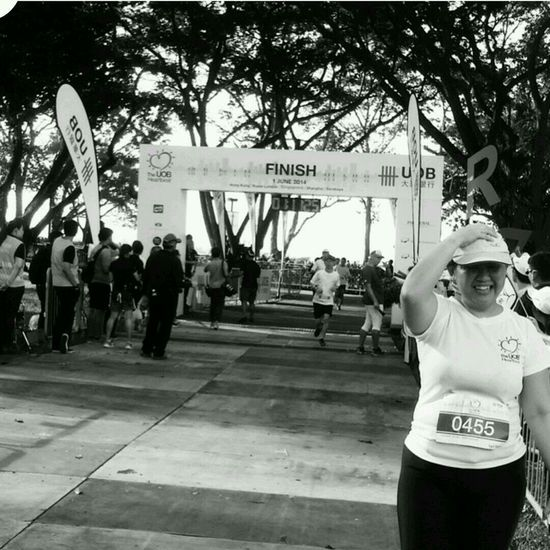 38/100 1 jun 10k run @company event :) 1h 10 min Seriousleecountingblessings Black And White Epicphotobomb 100happydays