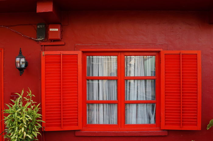 祝各位大年初一新年快乐丁酉年快乐身体健康万事胜意 Red Window House Architecture Building Exterior No People Built Structure Outdoors Day Residential Building Security Bar Macao  Happy New Year Spring Festival 红红火火哈哈 Architecture Adapted To The City Streetphotography City