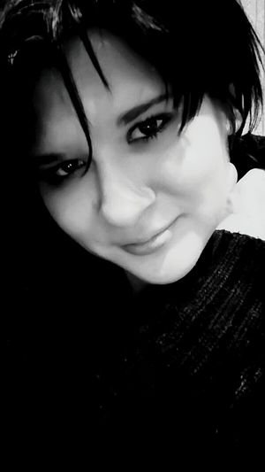 That's Me Hi! That's Me My Eyes My Soul  Sadness Blackandwhite Photography Blackandwhite Sad Smile Tuga