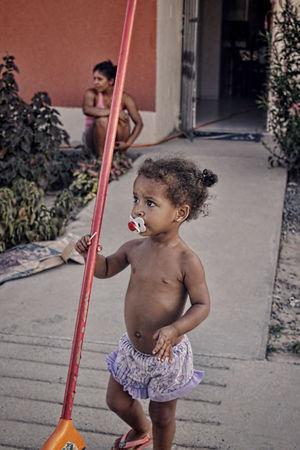 Broom Cute Girl Littlegirl Realpeople Salvador Street Street Photography Streetphotography Vintage