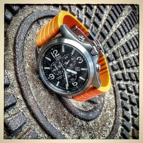 Citizen Ecodrive Eco Drive titanium wr200 watch time orange edc edcgear extreme everyday_carry everydaycarry flybig69 artur muszynski