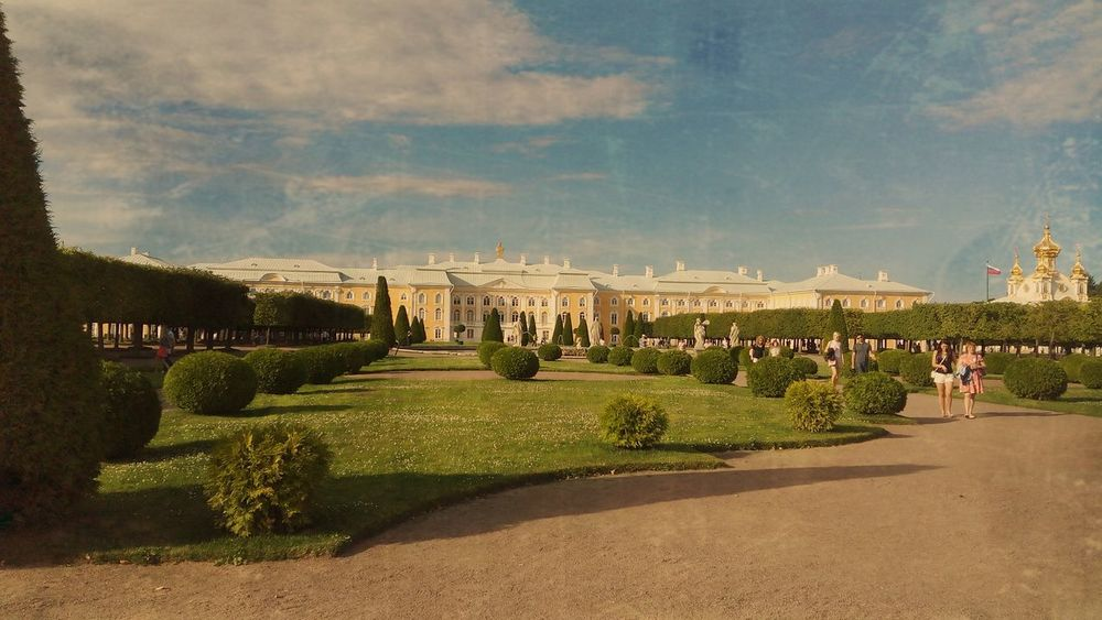 Cloud - Sky Architecture Outdoors Built Structure Sky Building Exterior Day No People Grass Architecture Petergof History Russia St. Petersburg Питер ❤️ Питер Nature Tree