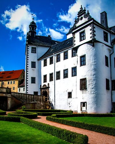 Schloss Lauenstein in Sachsen im Osterzgebirge Deutschland Germany Museum Buildings & Sky Built Structure History Architecture Castle Cloudy Old Buildings Old Castle Lauenstein Osterzgebirge Historic Historic Building Historical Monuments Saxony Sachsen Sunshine Blue Sky Clouds And Sky History Historical Place Historical Building Schloss Lauenstein Sky Architecture Building Exterior Built Structure Cloud - Sky Castle