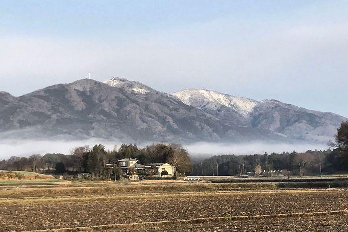朝もやと冠雪の加波山 朝靄で外気温0℃ですが 雲ひとつない良い天気!