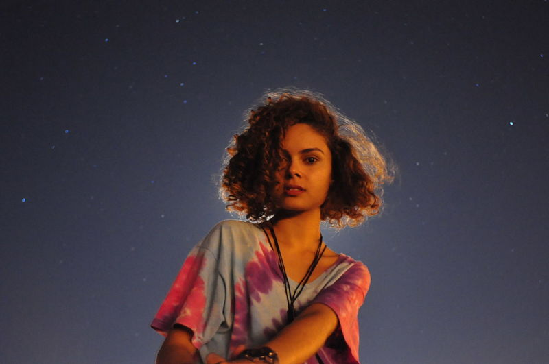 Nikon D90 NIKKOR 18-70mm Daria Railla Beautiful Woman Casual Clothing Contemplation Hairstyle Leisure Activity Looking At Camera Raylight Real People Sky Standing Star - Space Young Women