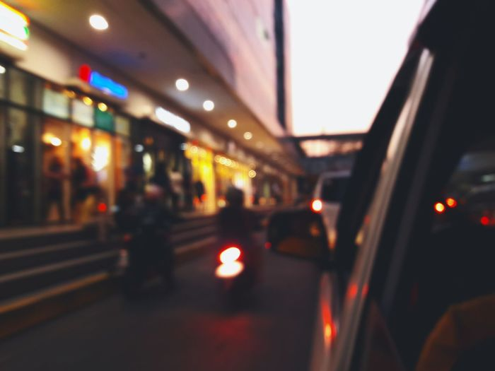 Beautiful blur Illuminated City Street City Life EyeemPhilippines EyeEm Taking Photos EyeEm Gallery Photographylovers Visualsoflife Cellphone Photography The Street Photographer - 2018 EyeEm Awards