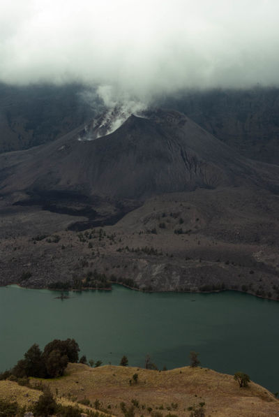 Vulcano Beauty In Nature Cloud - Sky Day Foggy Lake Majestic Mountain Mountain Range Nature No People Outdoors Scenics Sky Tranquil Scene Landscape_photography Hiking Adventures Hikingadventures Outdoor Photography INDONESIA Indonesian Photographers Collection Cloud_collection  Clouds And Sky Indonesia Photography  Vulcano Rinjani National Park EyeEmNewHere The Week On EyeEm An Eye For Travel Shades Of Winter