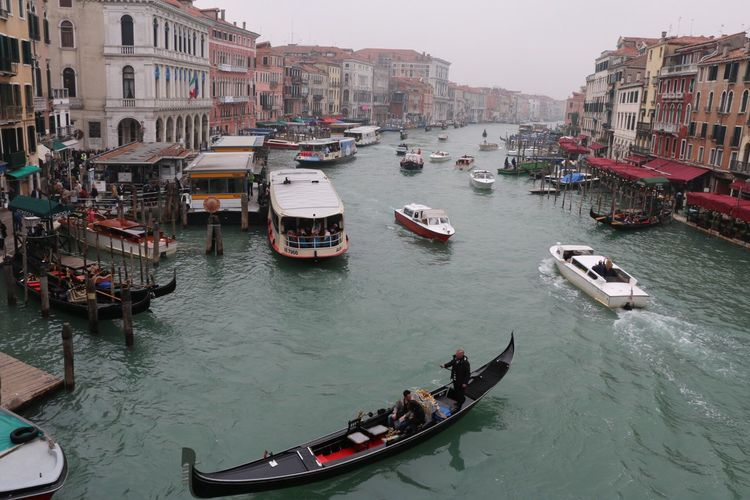 Venezia From Ponte Di Rialto Canal Gondola - Traditional Boat Mode Of Transport Travel Travel Destinations
