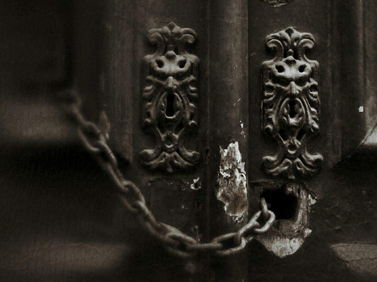 close-up, door, no people, day, outdoors