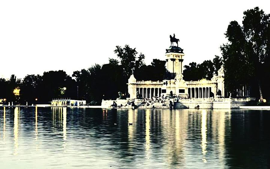 Madrid Madrid Spain Retiro (Madrid) Park Architecture Nature_collection Travel Water Outdoors City EyeEm Best Shots Popular Photos Beautiful ♥ Like4like Like4follow Travel Destinations Travel Photography Cityscape Sunny Sunnyday Lake Beautiful View Beautiful Place Spaın Nikon