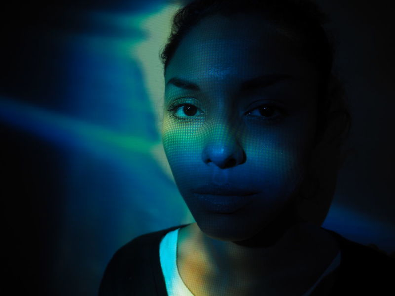 Beauty Blue Chica Dark Females Girl Indoors  Licht Licht Und Schatten Light Light And Shadow Luces Luces Y Sombras Mujer One Woman Only Only Women Textured  Young Women