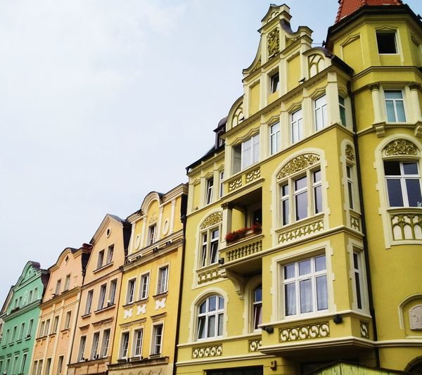 In love with architecture, in love with Wrocław! City well known by dwarfs :) If you find one, it will bring you luck. Poland Wroclaw, Poland Rynek Wroclaw Architecture City Residential Building Window Balcony House Sky Building Exterior Built Structure Place Of Interest High Society
