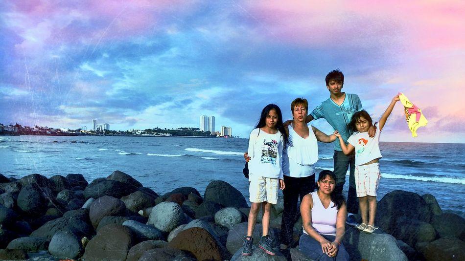 Veracruz Mexico Veracruz Mexique Veracruz Veracruzrelaxing Family Family Time Family Portrait