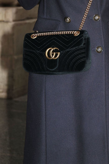 GG Marmont GUCCI Bag ✨  Fashion GUCCI Guccirhandbag Marmont MarmontGuccibag Photoshoot SebastienFremont Chic Close-up Fashionobsession Fashionphotographer Fashionstyle Frenchphotographer Ggmarmont Glamour Guccibag Handbag  HandbagGucci Luxury Luxurystyle Marmontbag Outdoors Pfw Photographer Style