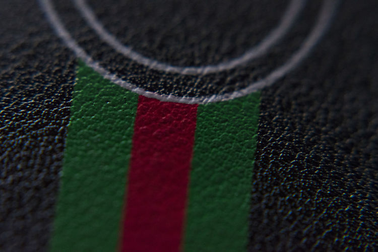 gucci belt Close-up Selective Focus Sport Full Frame No People Textile Green Color Indoors  Backgrounds Multi Colored Extreme Close-up Pattern Textured  Competition Doormat Net - Sports Equipment Macro Soccer Still Life Material Gucci Belt