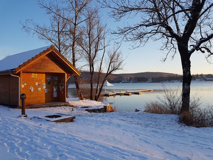 Beauty In Nature Cold Temperature Day Freshness Lac Lac And Snow Lacsnow Nature No People Outdoors Sky Snow Tranquility Tree Winter Winter Wintertime
