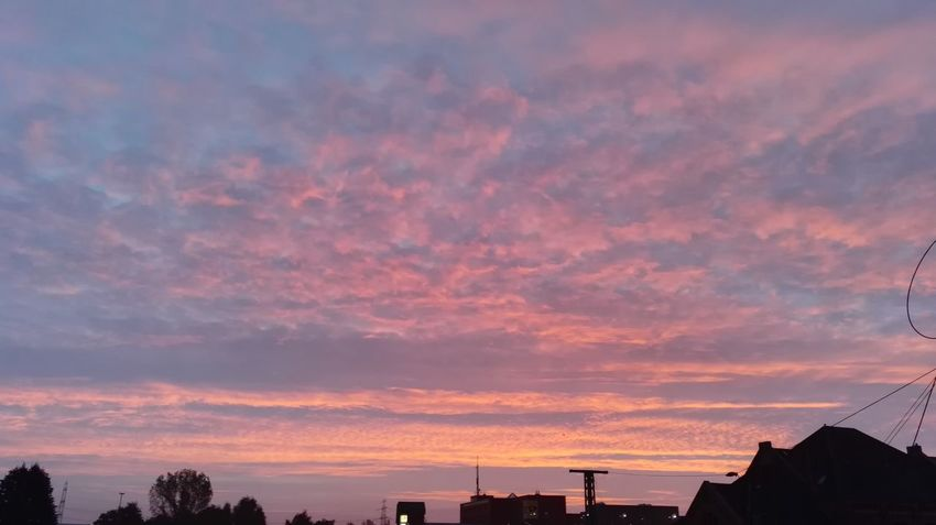Good Morning Guten Morgen Sonnenaufgang Sunrise Sunrise_Collection Sunrise_sunsets_aroundworld Sunrise Colors Sunrise - Dawn Sunrisephotography Hamburg Welovehh Hamburg Meine Perle WOW Nice Beautiful Schön Cloud - Sky
