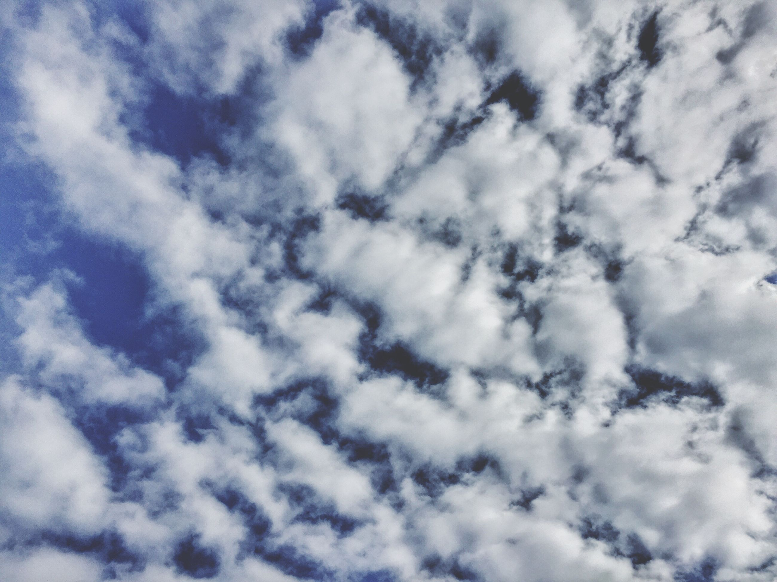 sky, low angle view, cloud - sky, backgrounds, nature, no people, tranquility, cloudscape, full frame, day, scenics, beauty in nature, heaven, outdoors, sky only