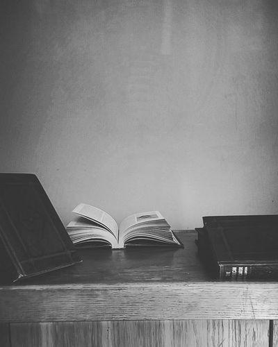I ❤ books .. Books Livingroom Set Cute Vintage Blackandwhite Pretty L4l FavPic