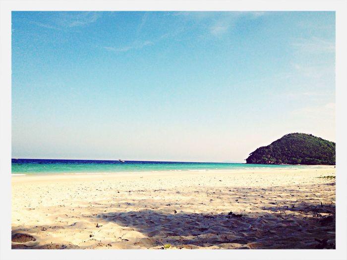 หาดขาวทะเลสวย