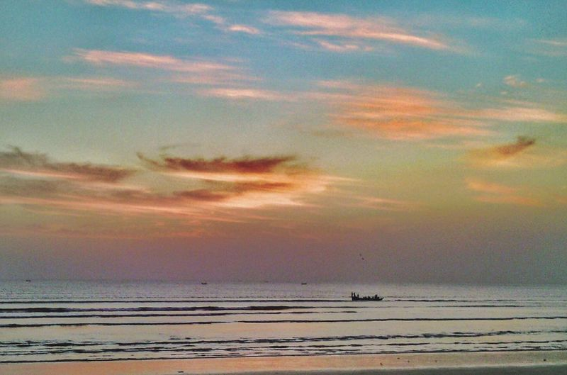 Sunset Sea Nature Dramatic Sky Tranquil Scene Water Summer Landscape Beauty In Nature Outdoors Cloud - Sky Horizon Over Water Blue Tranquility Dodarya Karachi Beach