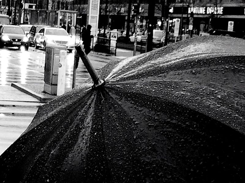 Open Edit EyeEm 5.0 Streetphotography Blackandwhite Streetphoto_bw Rainy Days Streetphotography_bw Blackandwhite Photography EyeZoom Berlin Photography