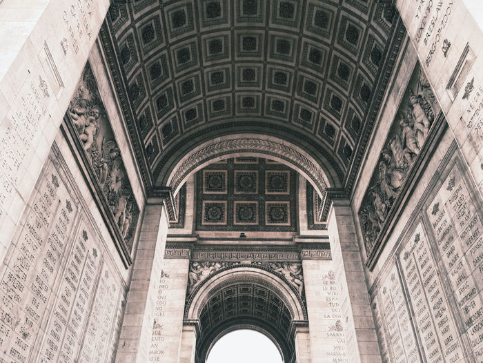 ArcduTriomphe Arch Architectural Column Architectural Feature Architecture Archway Built Structure Ceiling Column Culture Entrance Famous Place Historic History Indoors  Low Angle View Old Ornate Religion