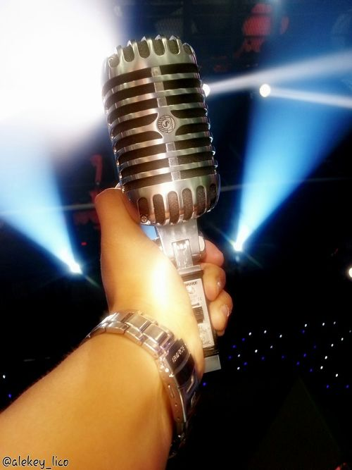 Shure55sh Legendary Microphone Crome  Sing Out .your Life Singers Live Music