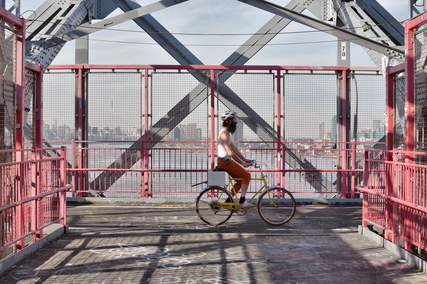 Williamsburg Williamsburg Bridge Bridge Riding Bicycle Transportation Cycling Exercising Mode Of Transport One Person Healthy Lifestyle Lifestyles Real People Day Outdoors Athlete Adult Young Adult NYC Photography NYC Adults Only City People Enjoying Life Riding Bicycle